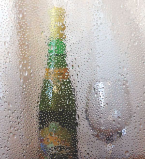 Photo of AGE449 Bubbly Glass